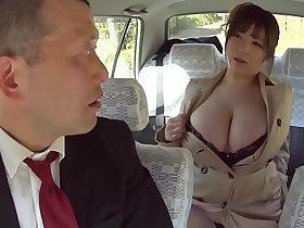 I brought a big breast woman (Full: bit.ly/2Ir38o0)